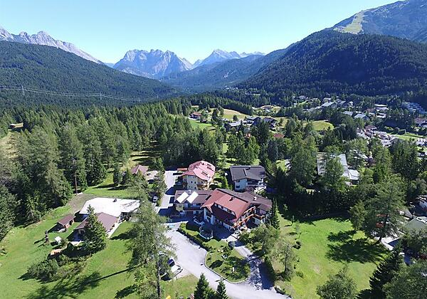Landhaus Charlotte Luftbild Seefeld Austria