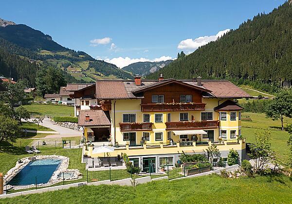 Landhaus Wallner im Sommer