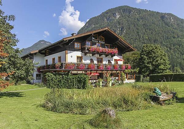 Hotel Madlgut Sommerbild