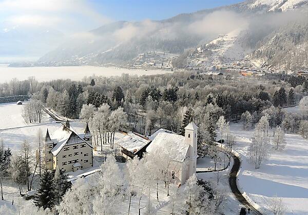 Schloss Prielau Winteransicht