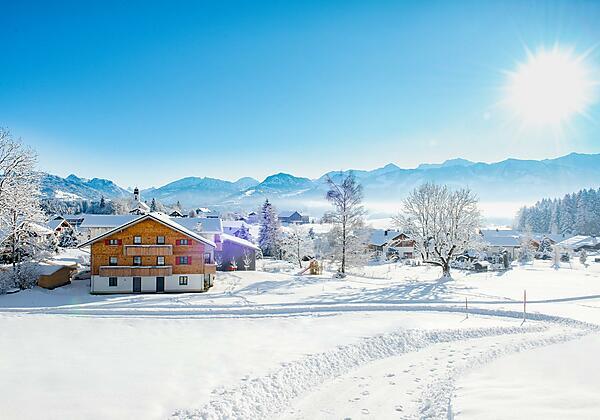 Tolle Aussicht im verschneiten Ofterschwang