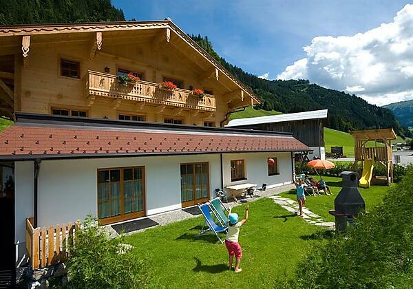 Haus Sommer mit Spiel- u. Grillplatz