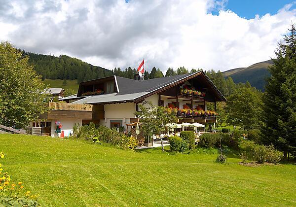 Hotel Berghof - direkt an der Piste