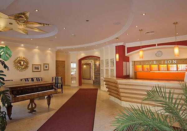 Appartementhotel-Sonnenwende-Bad-Gastein-Balkon-Wi