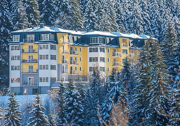 Appartementhotel-Sonnenwende-Bad-Gastein-Außenansi