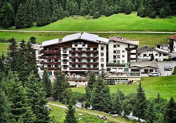 Hotel Seppl Sommeransicht