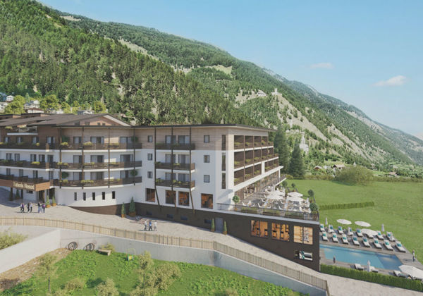 Aussenansicht vom Tuberis Nature & Spa Resort in Taufers im Münstertal im Sommer