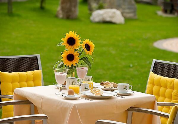 Vitalfrühstück im Garten