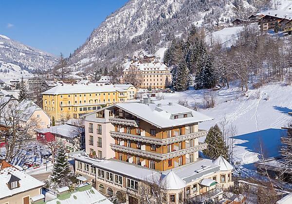 Hotel-Völserhof-Bad-Hofgastein-Haus-Sommer
