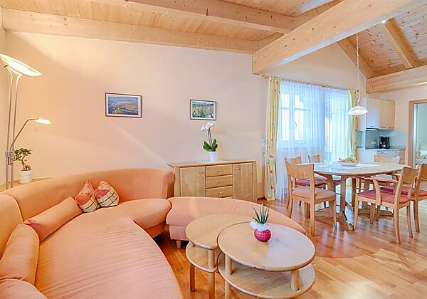 Appartement Landhaus Walch Wohn-Essbereich